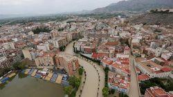 El rastro de la gota fría: seis muertos, miles de desalojados y pendientes del río