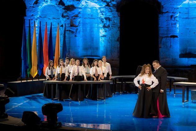 Οι «Εκκλησιάζουσες» στη Φρυνίχου για 4 παραστάσεις μετά την επιτυχία στο