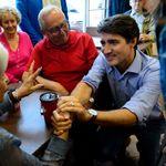 Le chef libéral interpellé sur la laïcité de passage dans le Québec