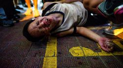 Lacrymogènes et cocktails Molotov: nouvelles scènes de violence à Hong
