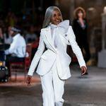 Έγινε μοντέλο στα 60 - Επτά χρόνια μετά, είναι η νέα «μούσα» της