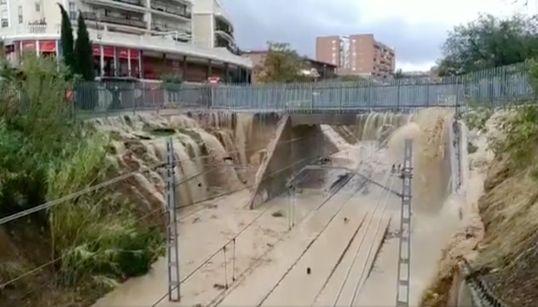Las lluvias provocan cortes de Metro y carreteras en varias localidades de Madrid y