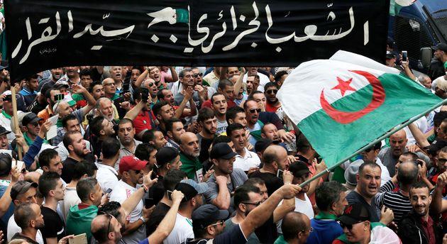 Les manifestants algériens, ici dans la capitale Alger le 13 septembre, s'opposent à la...