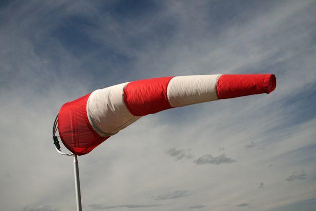 Καιρός: Εξασθενούν σταδιακά οι άνεμοι - Έως 7 μποφόρ στο