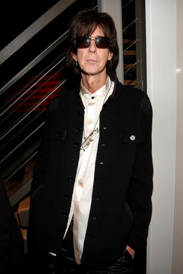 Πέθανε σε ηλικία 75 ετών o Ρικ Όκασεκ, τραγουδιστής των The