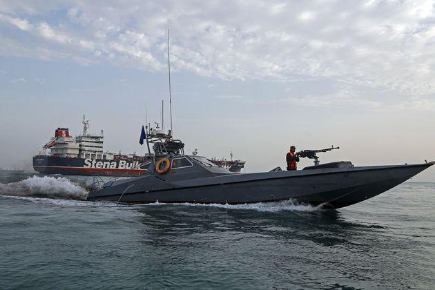 Ιράν: Κατασχέθηκε πλοίο ύποπτο για μεταφορά πετρελαίου στα Ηνωμένα Αραβικά