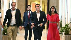 El PP elude comprometerse con la abstención de Rivera y mantiene su
