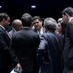 Senadores articulam projeto que dificulta punições a partidos e facilita caixa
