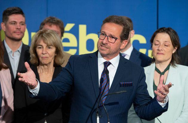 Le chef du Bloc québécois, Yves-François Blanchet, répond aux questions des...