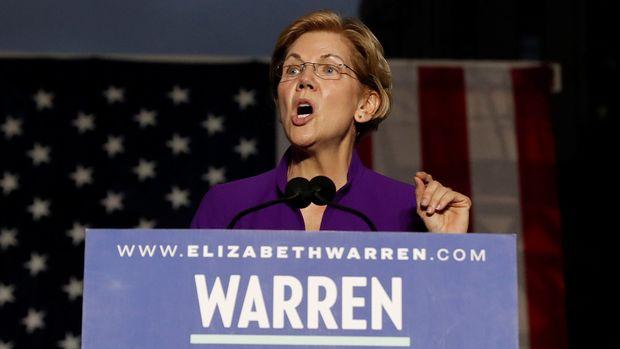 U.S. Senator and democratic presidential candidate Elizabeth Warren speaks at Washington Square Park in New York, New York, U.S. September 16, 2019. REUTERS/Shannon Stapleton