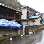 「ブルーシート貼るだけで18万」台風被災地で高額請求する業者の情報相次ぐ。警察も情報収集を進める