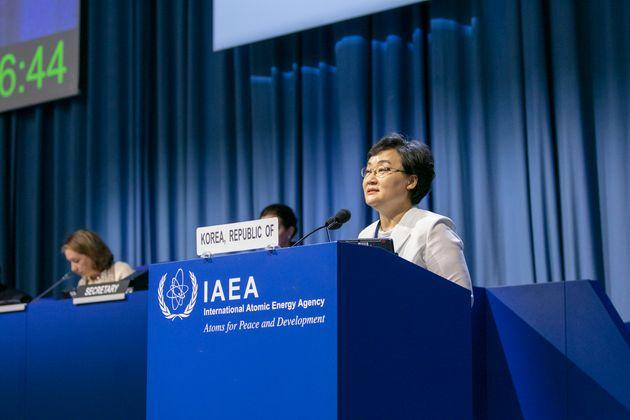 문미옥 과학기술정보통신부 1차관이 16일 오후(현지시간) 오스트리아 비엔나 국제원자력기구(IAEA) 본부에서 열린 제63차 국제원자력기구(IAEA) 정기 총회에서 171개 회원국 대표들이...