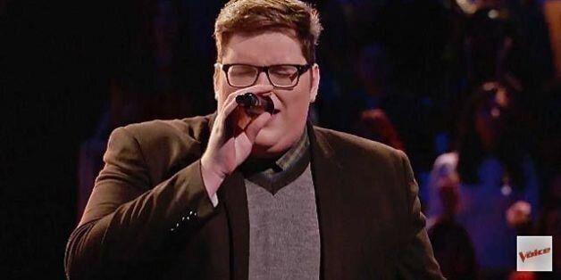 이 남자가 오디션 프로그램 '보이스'에서 아델의 노래를 불렀다. 끝내주게