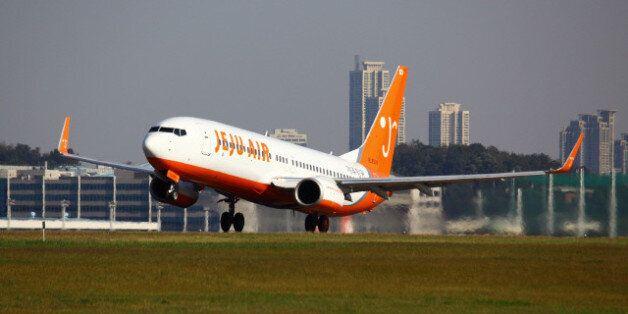 제주항공, 화려한 증시 데뷔 : 아시아나항공 시가총액
