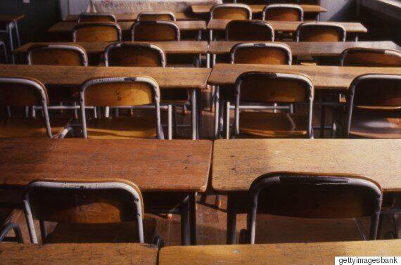 성적 우수 학생한테만 값비싼 책상·의자를 준