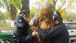 선거유세를 하다 체포된 츄바카 씨의