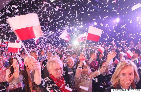 폴란드 '난민반대' 극우야당, 8년만에 재집권에