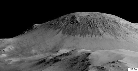 NASA, 화성에서 액체 상태의 물이 흐른다는 증거를