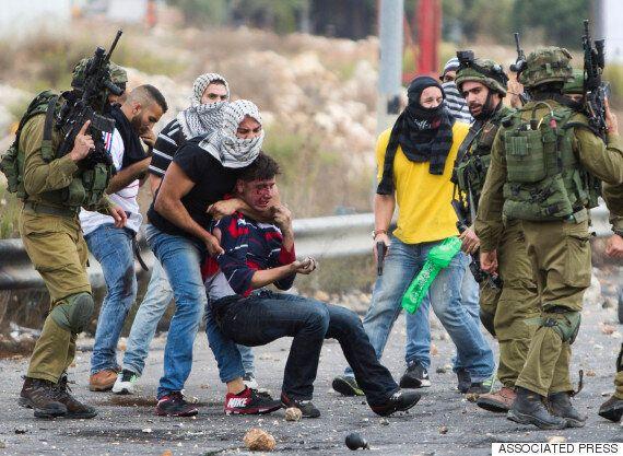 이스라엘 경찰, 팔레스타인 청년으로 위장해 투석시위를 선동하다(사진,