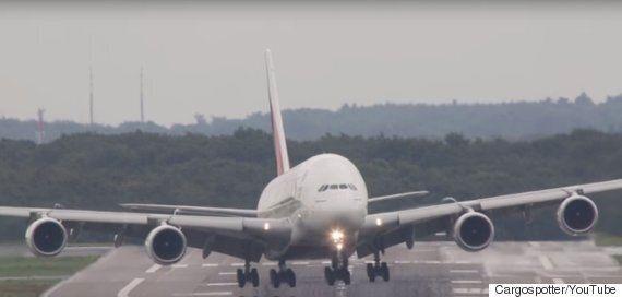에어버스 A380의 아찔한 착륙