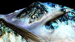 화성에도 물이 흐른다는 증거를