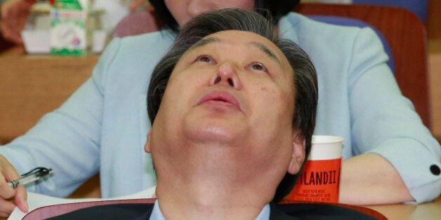 청와대와 김무성 대표가 싸우는