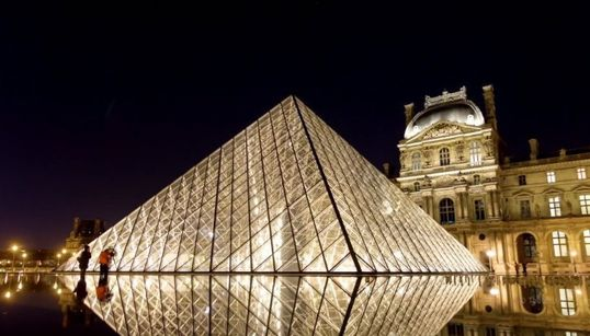 파리의 낮과 밤을 누구보다 자세히