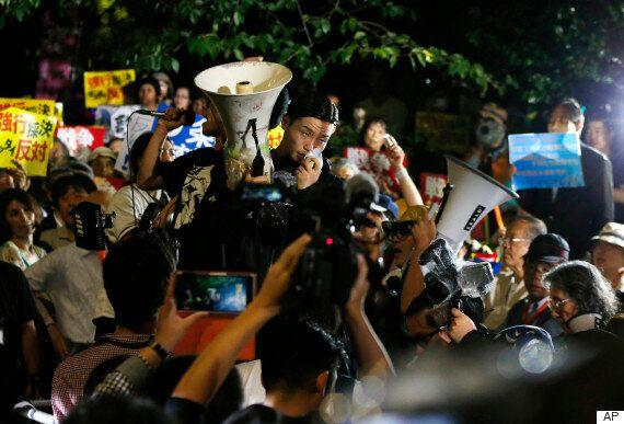 日 안보법안 반대시위 청년들에게 던져진 질문: