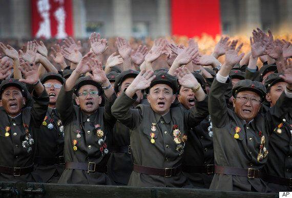 김정은이 열병식서 핵을 빼고 90차례 언급한