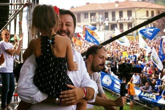 Salvini ricade nel cortocircuito psichico, può vergognarsi d