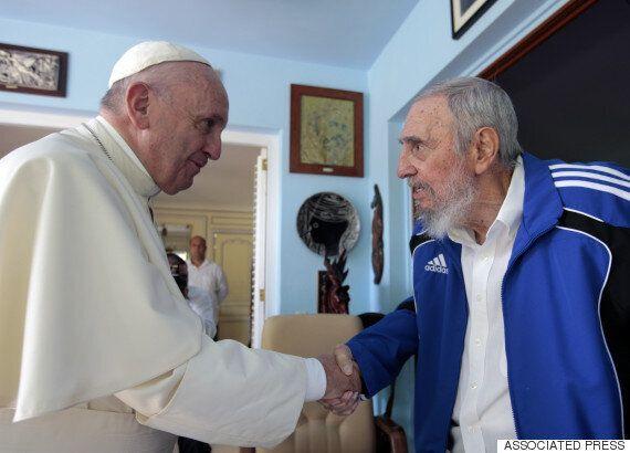프란치스코 교황, 피델 카스트로에 신학책