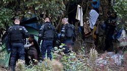 Les forces de l'ordre procèdent à l'évacuation du campement de migrants de