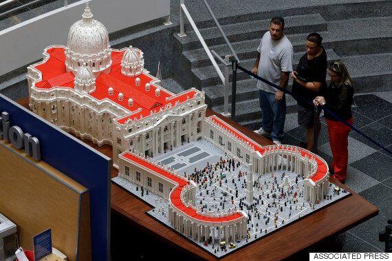 레고로 만든 성 베드로