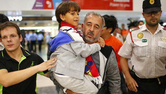 헝가리 기자가 발 걸었던 난민, 스페인에