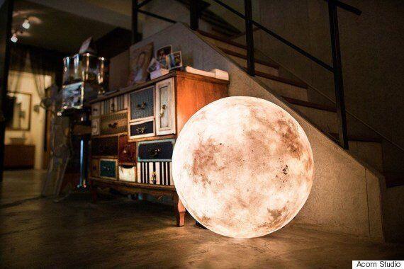 달을 닮은 램프가 나왔다(사진,