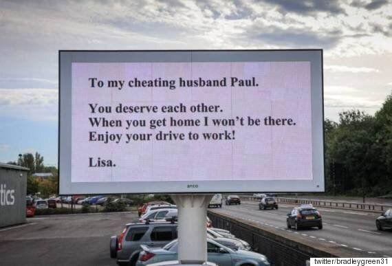 바람피운 남편에게 도로 광고판으로 복수한