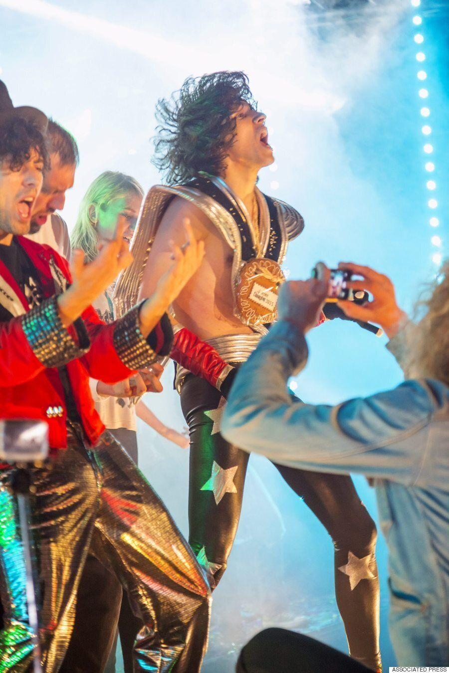 '2015년 에어 기타 월드 챔피언쉽'은 이런 광경이다(사진,