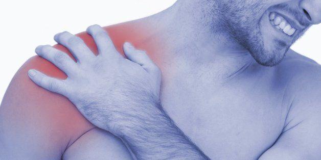 의사들이 조언하는 어깨 굳어 심해진 통증을 푸는