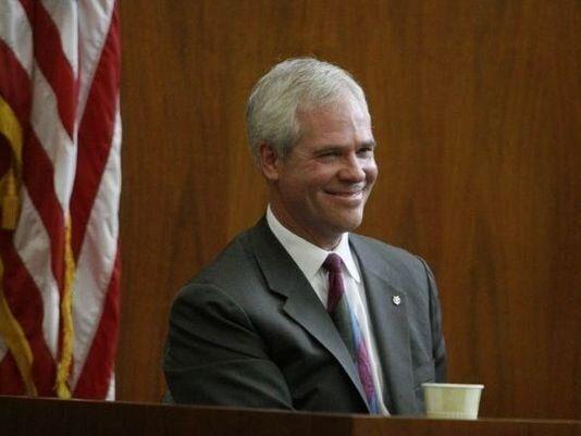동성결혼 집례 거부한 미국 오리건주 판사... 윤리조사