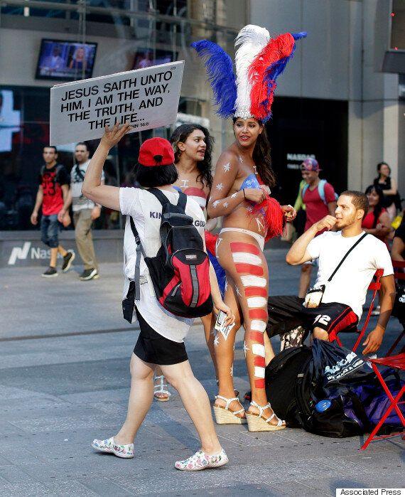 뉴욕 타임스스퀘어 '반라 여성' 첫 체포·폭력 사건