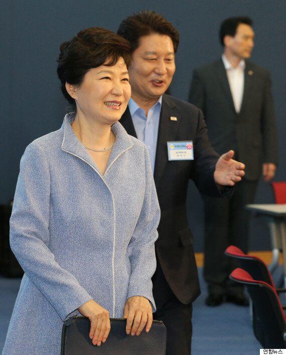 대구 방문 박근혜 대통령, 지역구 '비박' 의원들 안