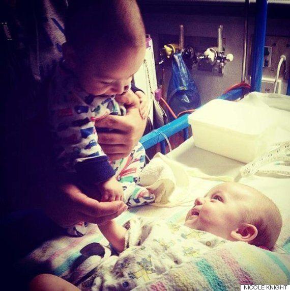 쌍둥이가 지구에서 가장 사랑스러운 이유