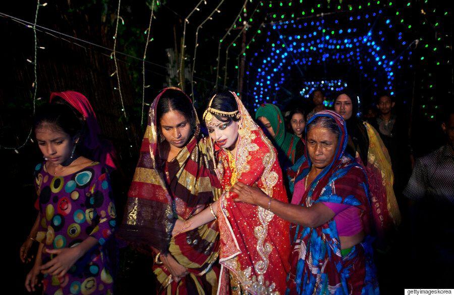 방글라데시 소녀 신부의 가슴 아픈 조혼