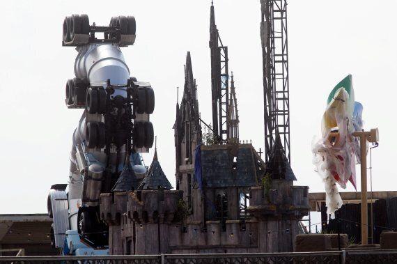 뱅크시의 디스멀랜드(Dismaland)를 가다 : 칙칙하고 암울하게 만든 디즈니랜드?(사진,