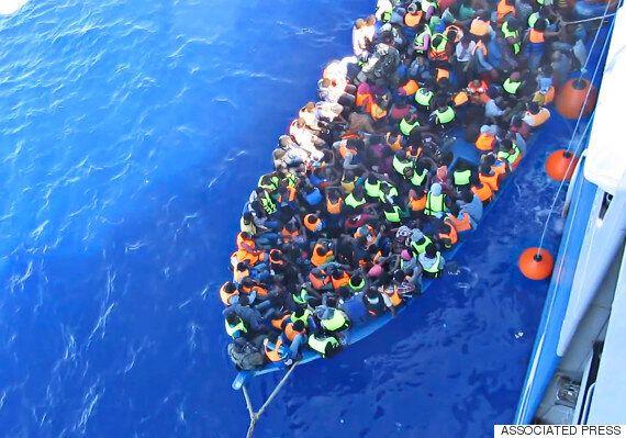 지중해 난민선 또 전복돼 200명