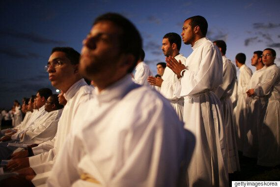 왜 종교인들은 특정한 의상을