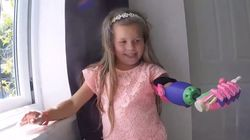 이 소녀는 3D 프린터로 만든 최고의 선물을