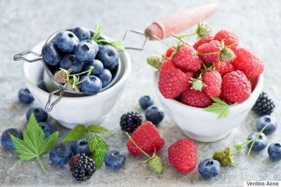알츠하이머 발병 위험을 낮춰줄 수 있는 음식