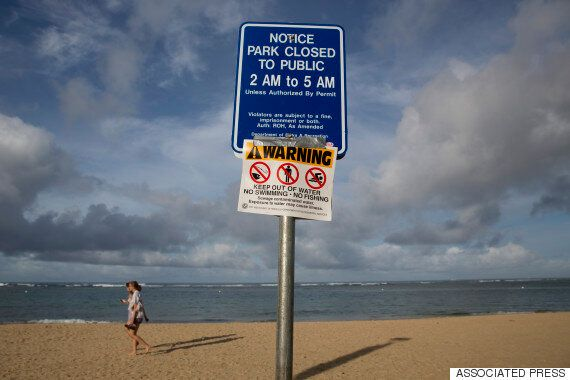 오폐수 189만리터 유입 : 하와이 와이키키 해변이