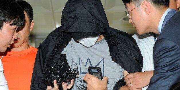 경찰이 워터파크 몰카범 얼굴을 공개할 수 없는